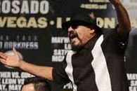 "Robert Guerrero's Father Said Floyd Mayweather ""Ran Like a Chicken"""