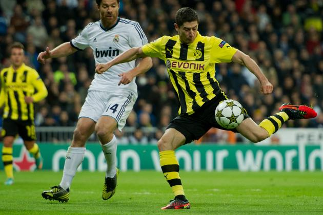 Chelsea Transfer Rumors: Latest Buzz on Pursuit of Striker Robert Lewandowski