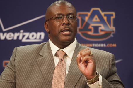 Rodney Garner Brings Intense, Demanding Style to Coaching Defensive Line