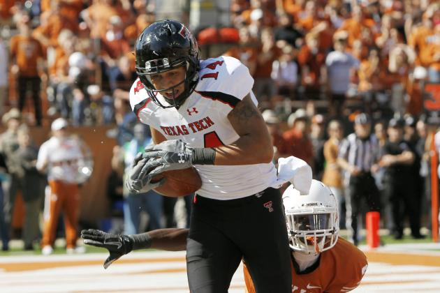 Texas Tech WR Moore and Houston LB Daniels Invited to Tryout