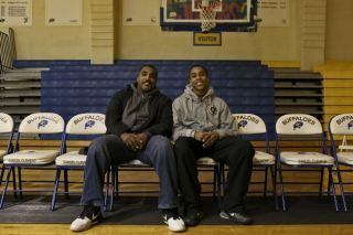 Son of 'Hoop Dreams' Star William Gates Headed to Furman