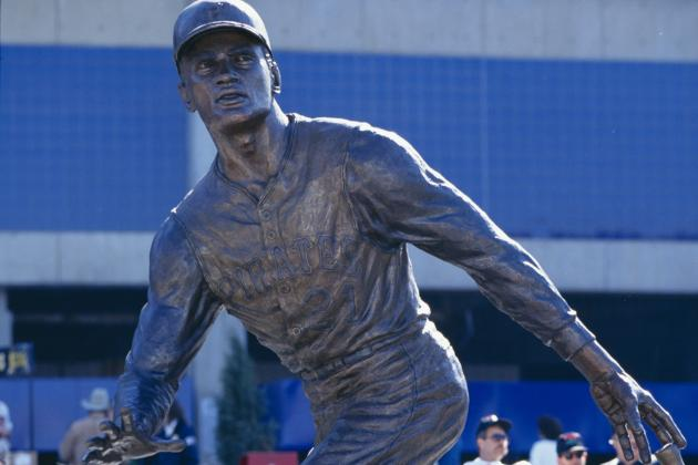 Duquesne Establishes Scholarship in Clemente's Honor