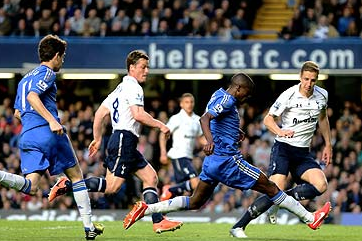 Emmanuel Adebayor Inspires Tottenham Recovery for Draw at Chelsea