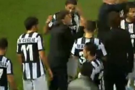 Conte, Atalanta Beg Fans to Stop Throwing Fireworks at Each Other