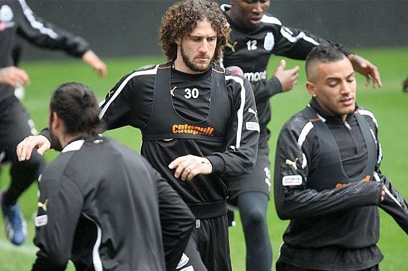 Fabricio Coloccini Admits There Were Divisions in Newcastle Squad