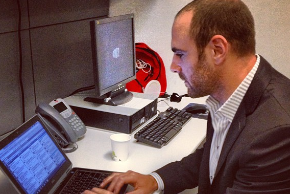 Stars' Eric Nystrom Fields Questions from Fans Via Laptop