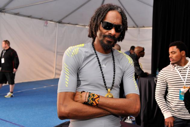 Hip-Hop Star Snoop Lion Proclaims Pro Athlete Pimp Past