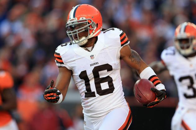 Cribbs, Curry Visit Giants, Leave Without Contracts