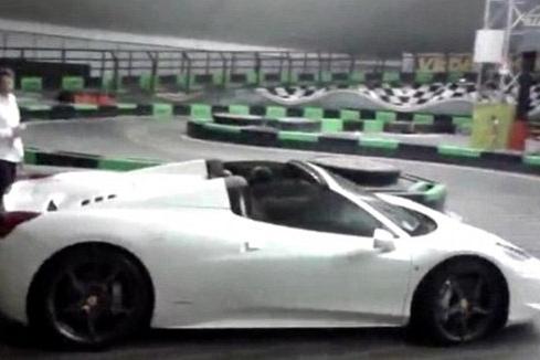 Balotelli Takes £200K Ferrari Go-Karting