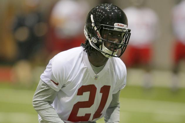 Falcons' Draft Picks Should Take Up About $3.5 Million in Cap Space