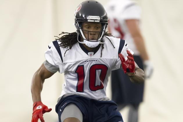DeAndre Hopkins Back at Practice, Continues to Impress