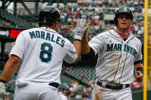 Morales Blast Backs Saunders in Mariners' Win