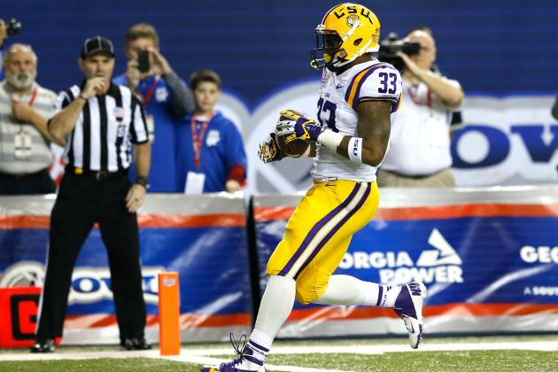 LSU Falls in Lower Half of SEC in Player Arrests During Past Three Years