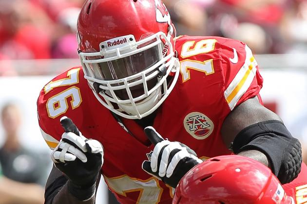 Andy Reid: Branden Albert Will Report Monday to Chiefs