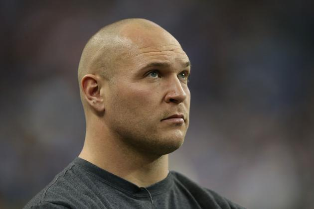 Brian Urlacher Reportedly Talking to Vikings, Broncos