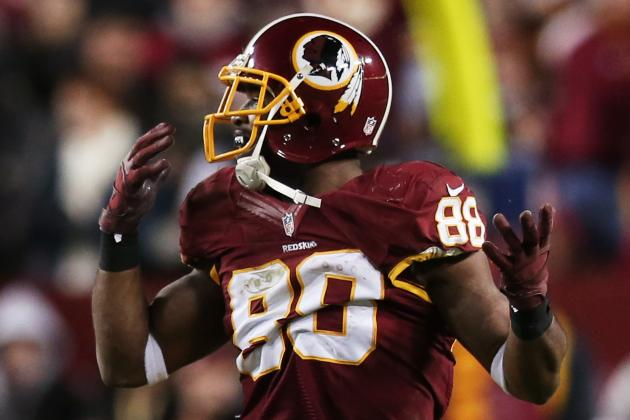 Drunk Fan Spills Beer on Pierre Garcon at WWE Raw