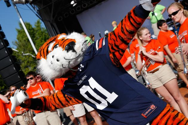 Auburn's Hurry-Up, No-Huddle Offense Can Be Successful with Freshmen in Mix
