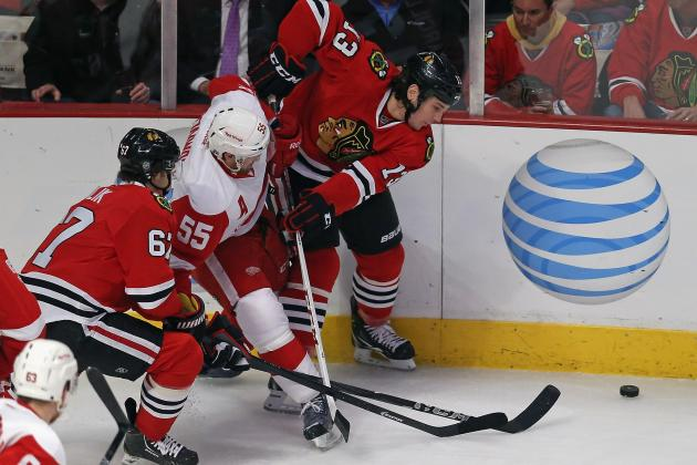 Debate: What Will the Outcome Be of the Hawks-Wings Series?