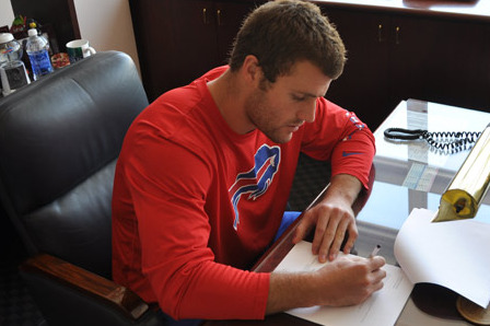 LB Kiko Alonso Signs Rookie Deal with Bills