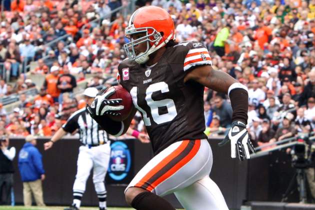 Josh Cribbs Signs with Oakland Raiders