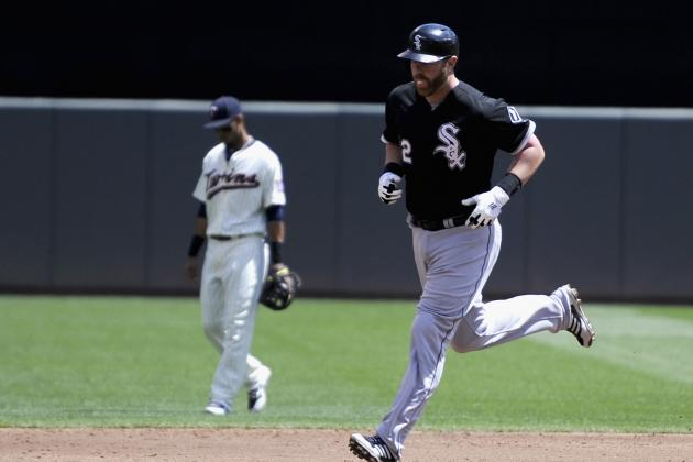 Dunn's 2 HRs, 5 RBIs lead White Sox over Twins