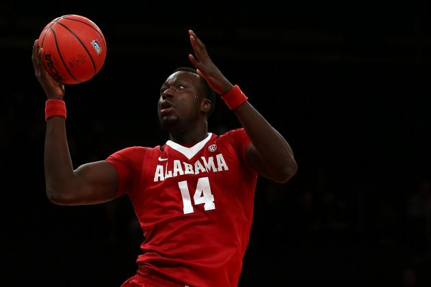 Former Alabama Center Moussa Gueye Transfers to Valparaiso