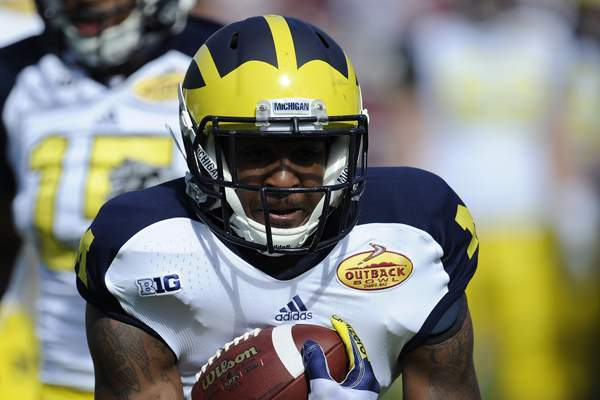 Michigan Has No Plans for Alternate Football Uniform in 2013 Regular Season