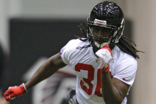Falcons Come to Terms with Rookie S Kemal Ishmael
