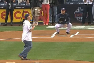 Johnny Manziel Nearly Homers in Padres BP, Re-Enacts TD Pass for First Pitch