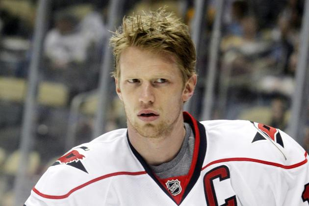 Eric Staal Diagnosed with Third-Degree MCL Sprain
