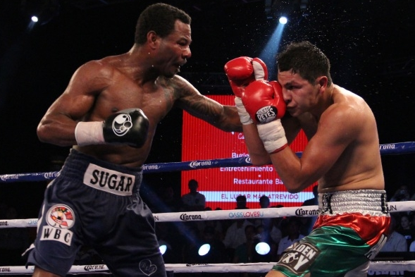 Photo: Mosley Gets 1st Win in over 4 Years