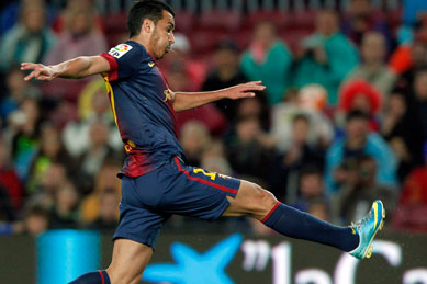 Pedro helps Barcelona towards matching La Liga points record