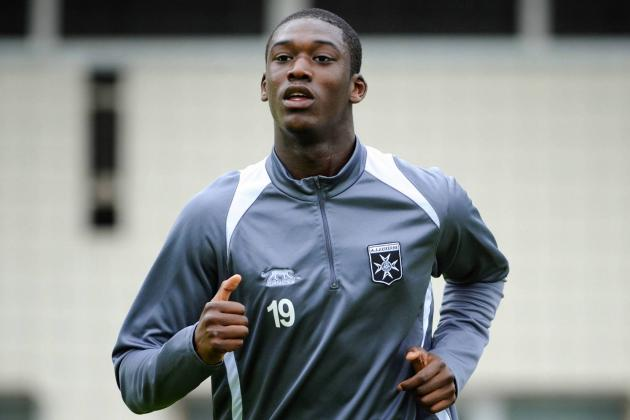 Arsenal Transfer News: Yaya Sanogo Is Perfect Summer Signing for Gunners