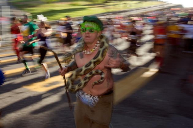 Bay to Breakers 2013: Most Bizarre Costumes at Historic Race