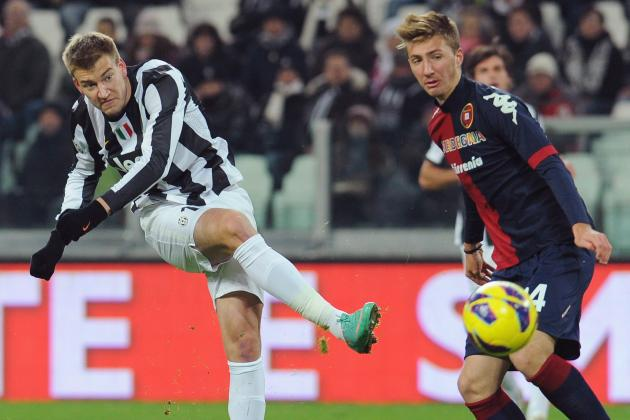 Bendtner Undergoes Wrist Operation