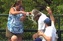 Cubs Fan Dumps Beer on Husband After He Tried to Protect Her