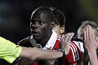 Balotelli Hit by More Racist Abuse by Fiorentina Fans