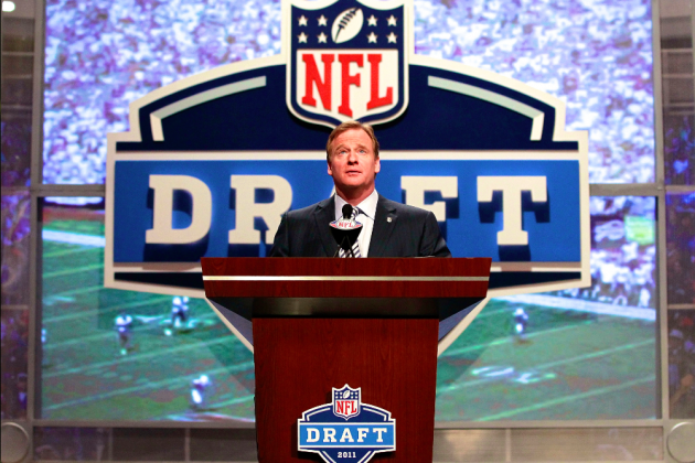 NFL, NFLPA Reportedly Looking to Push Draft to May, Move Up Start of League Year
