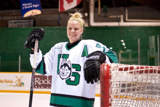 Danielle Stone Becomes the First CIS Player to Register for 2013 CWHL Draft