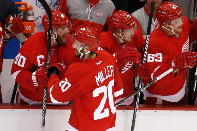 Red Wings Get Jump on Chicago for Game 3 Win