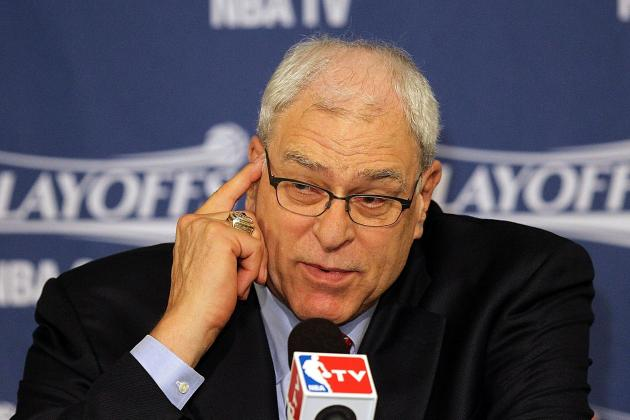 Phil Jackson Skeptical That Dwight Howard Has Reason to Return to Lakers