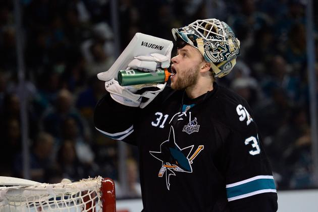 Sharks Goalie Antti Niemi Barely Breaking a Sweat Against Kings