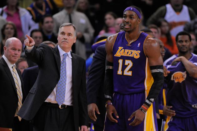 Lakers GM Denies Rift Between Dwight Howard and Mike D'Antoni