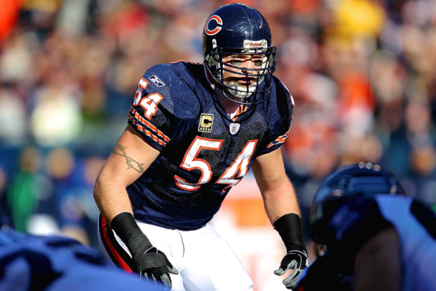 Brian Urlacher Retires After 13 NFL Seasons
