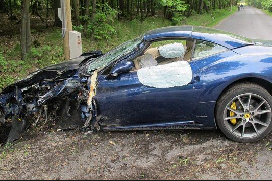 Photo: Voracek's Ferrari Destroyed After Crash