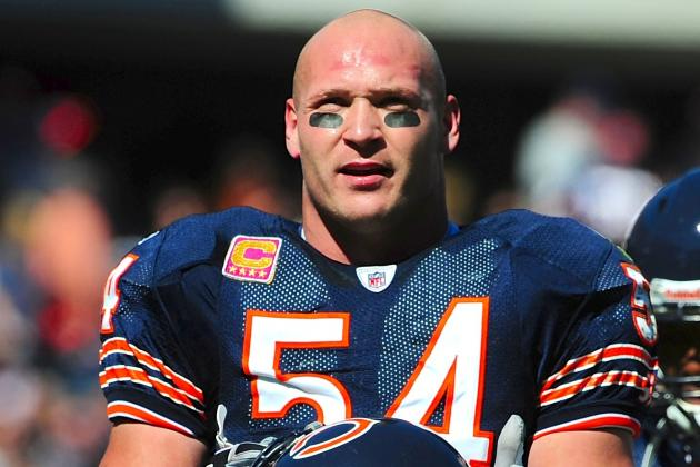 Twitter Reacts as Bears Legend Brian Urlacher Retires After 13-Year Career