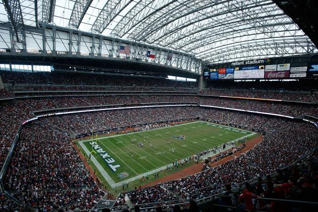Hispanic Ties Help Houston Sell NFL on Super Bowl Bid