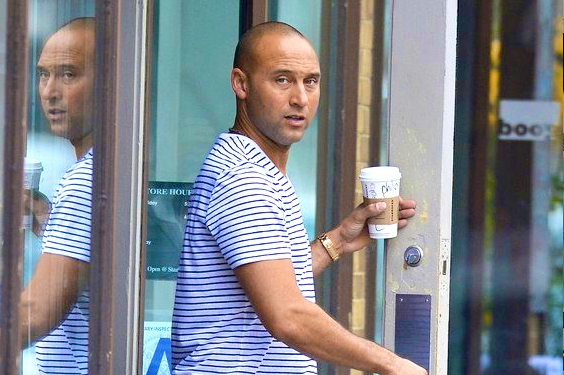 Derek Jeter Walks into Starbucks as Star Yankee, Comes out as Anonymous 'Philip'