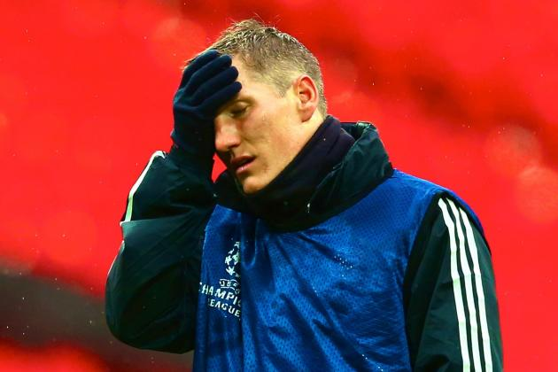 Bayern Munich's Bastian Schweinsteiger Injured in UCL Final Warmup (GIF)