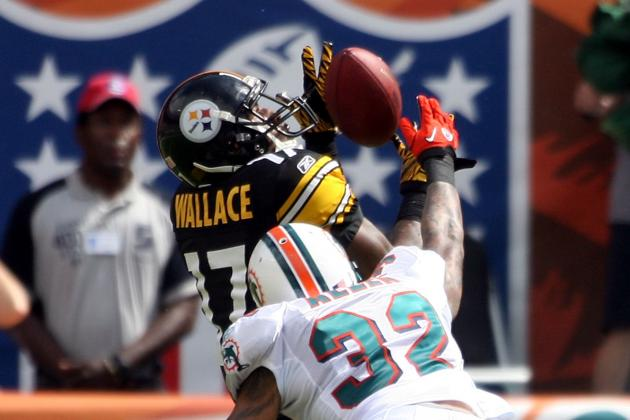 "Mike Wallace Loves the Dolphins' ""College Mentality"""